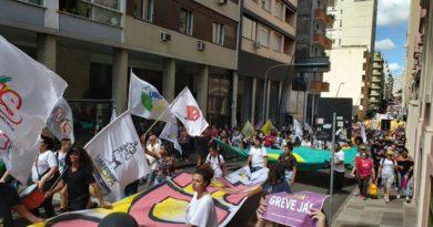 Manifestações em Porto Alegre