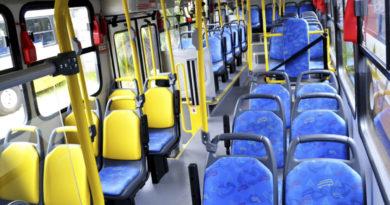 Interior ônibus Transporte metropolitano