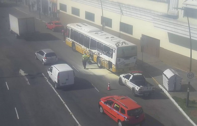 Ônibus Princípio Incêndio