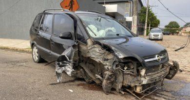 BR-116 Carro destruído
