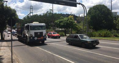 Caminhão com problemas Carvalho