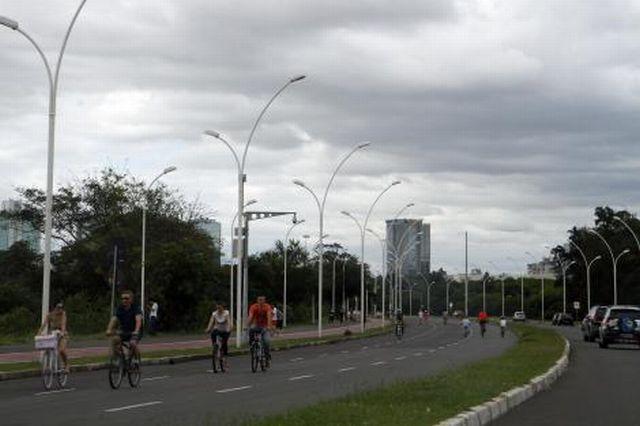 Trânsito na Beira-Rio